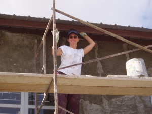 That's me in Mexico in 2005. Yup, I was three stories up slapping plaster on a building. Miraculously, no one got hurt ... and from what I've heard, the building is still standing ...
